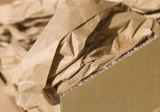 Packpapier im Karton