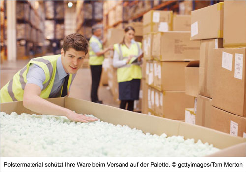 Polstermaterial schützt Ihre Ware beim Versand auf der Palette