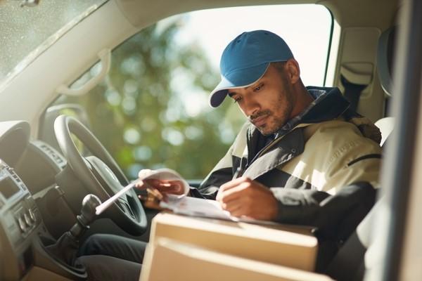 Paket beschriften für DHL, Hermes & Co.