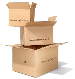 Kartons aufeinander