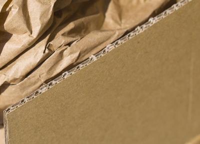 Packpapier im Karton